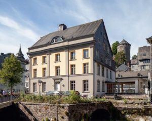 Neue Erkenntnisse zum ehemaligen ev. Pfarrhaus von Monschau und der dort ursprünglich betriebenen Tuchproduktion